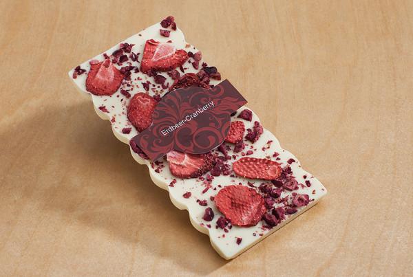 Weiße Schokolade Erdbeer 100g Packung
