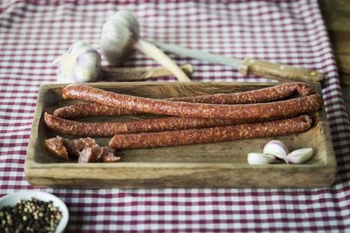 Knoblauch-Knabbersalami | 5 Stück 250g